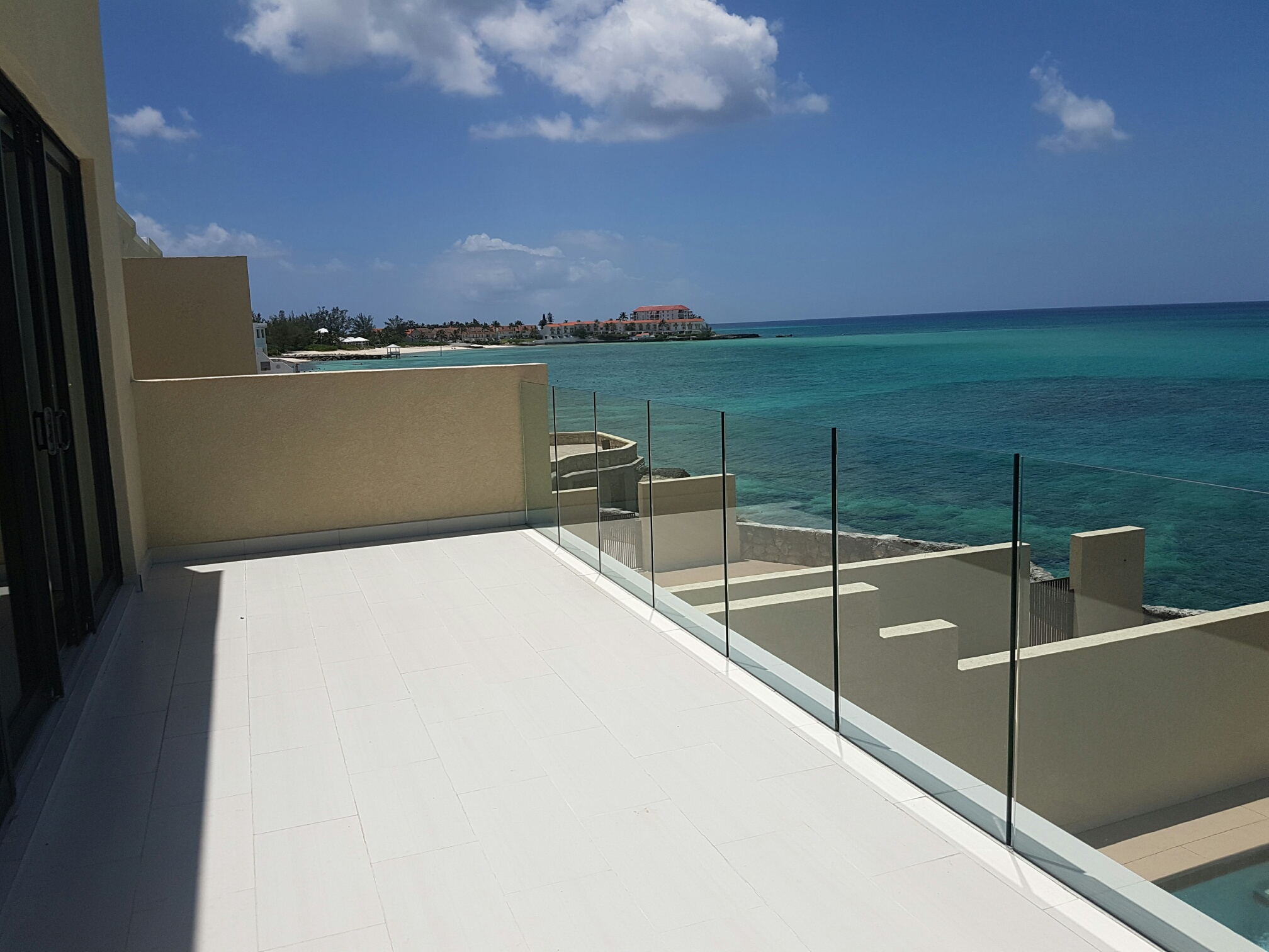 Additional photo for property listing at Turn Key Waterfront Home at the Cliffs Cable Beach The Cliffs, Cable Beach, Nassau And Paradise Island Bahamas