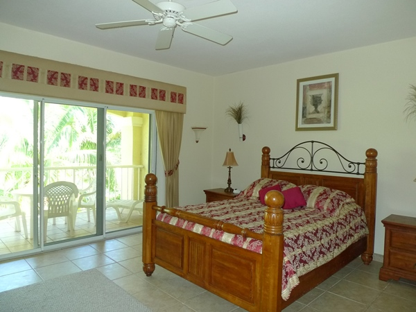 Additional photo for property listing at Tranquil Canal Front Building For Sale Bahamas