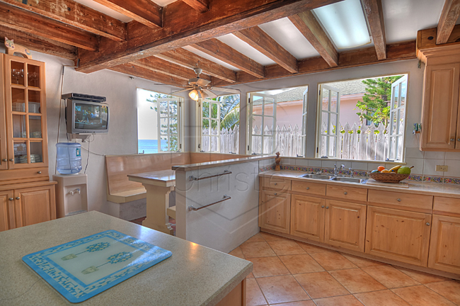 Additional photo for property listing at Spanish Style Oceanfront Home Bahamas