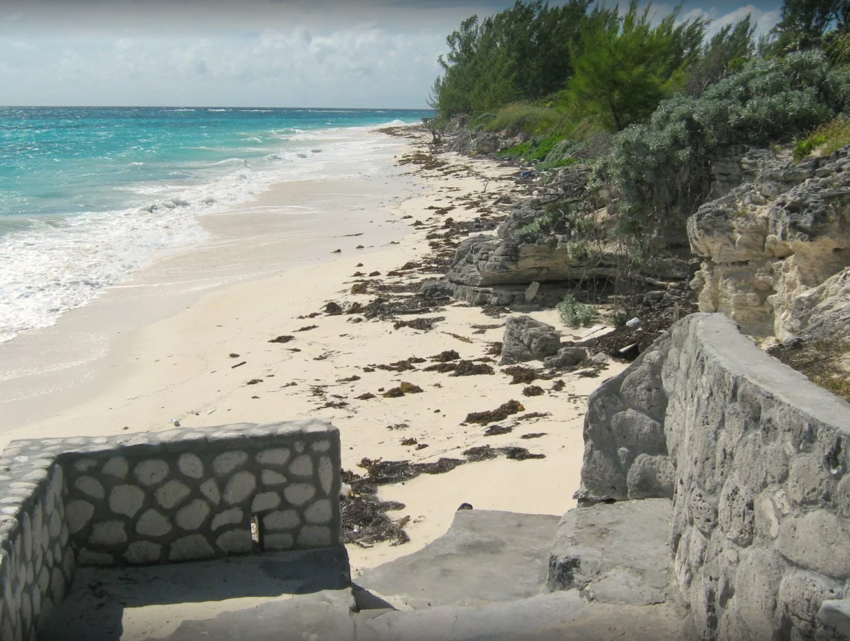 Additional photo for property listing at Turn Key Beachfront Home MLS: 30478 Whale Cay, Berry Islands, Bahamas