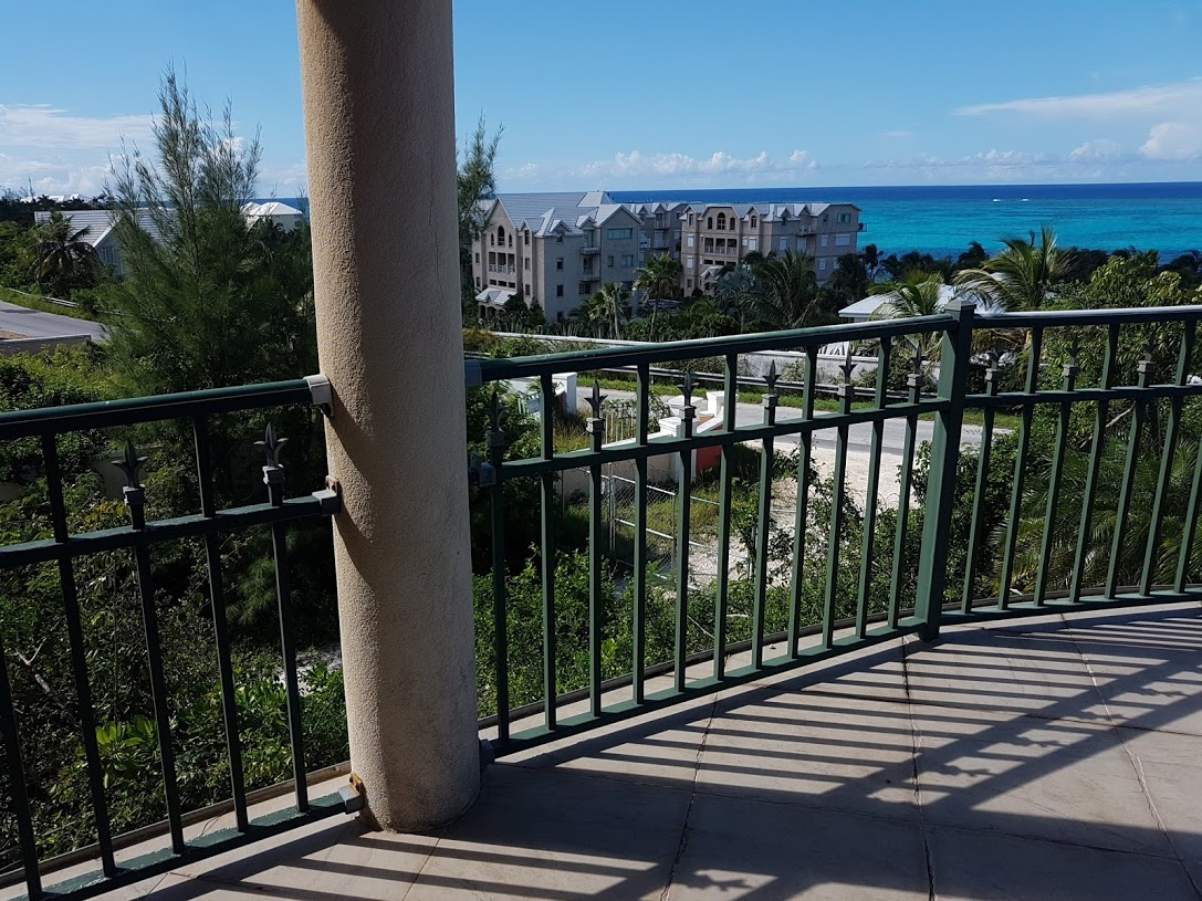 Additional photo for property listing at Whispering Winds 5 - Unit Residential Townhouses West Bay Street, Nassau And Paradise Island, Bahamas