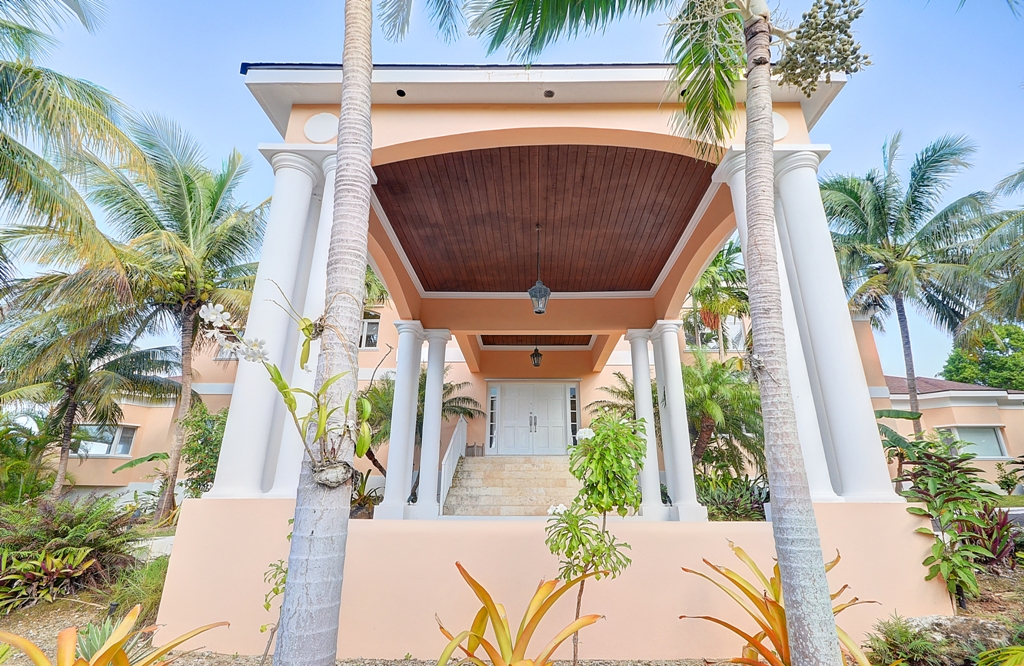 Additional photo for property listing at Elevated Lyford Cay Estate Home Lyford Cay, Nassau And Paradise Island, Bahamas