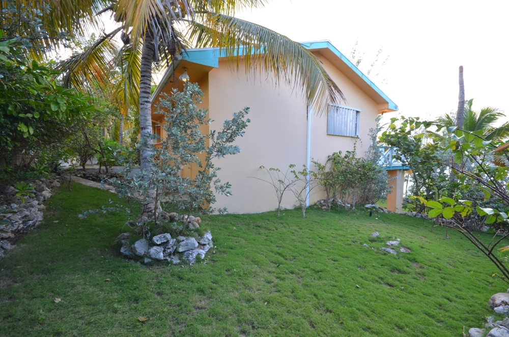 Additional photo for property listing at Fantastic Waterfront Vacation Property in Rainbow Bay, Eleuthera Rainbow Bay, Eleuthera, Bahamas