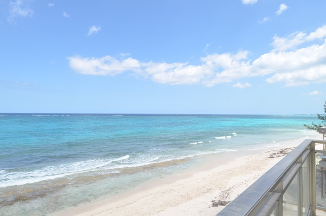 Additional photo for property listing at New Designer Beachfront Townhouse at Columbus Cove Love Beach - MLS 29812 Love Beach, Nassau And Paradise Island, Bahamas