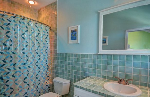 Additional photo for property listing at Classy Canalfront Caribbean Style Home in Fortune Bay! バハマ