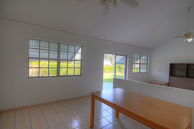 Additional photo for property listing at 3-Bedroom Home On Large Corner Lot Sea Breeze, Nassau And Paradise Island, Bahamas