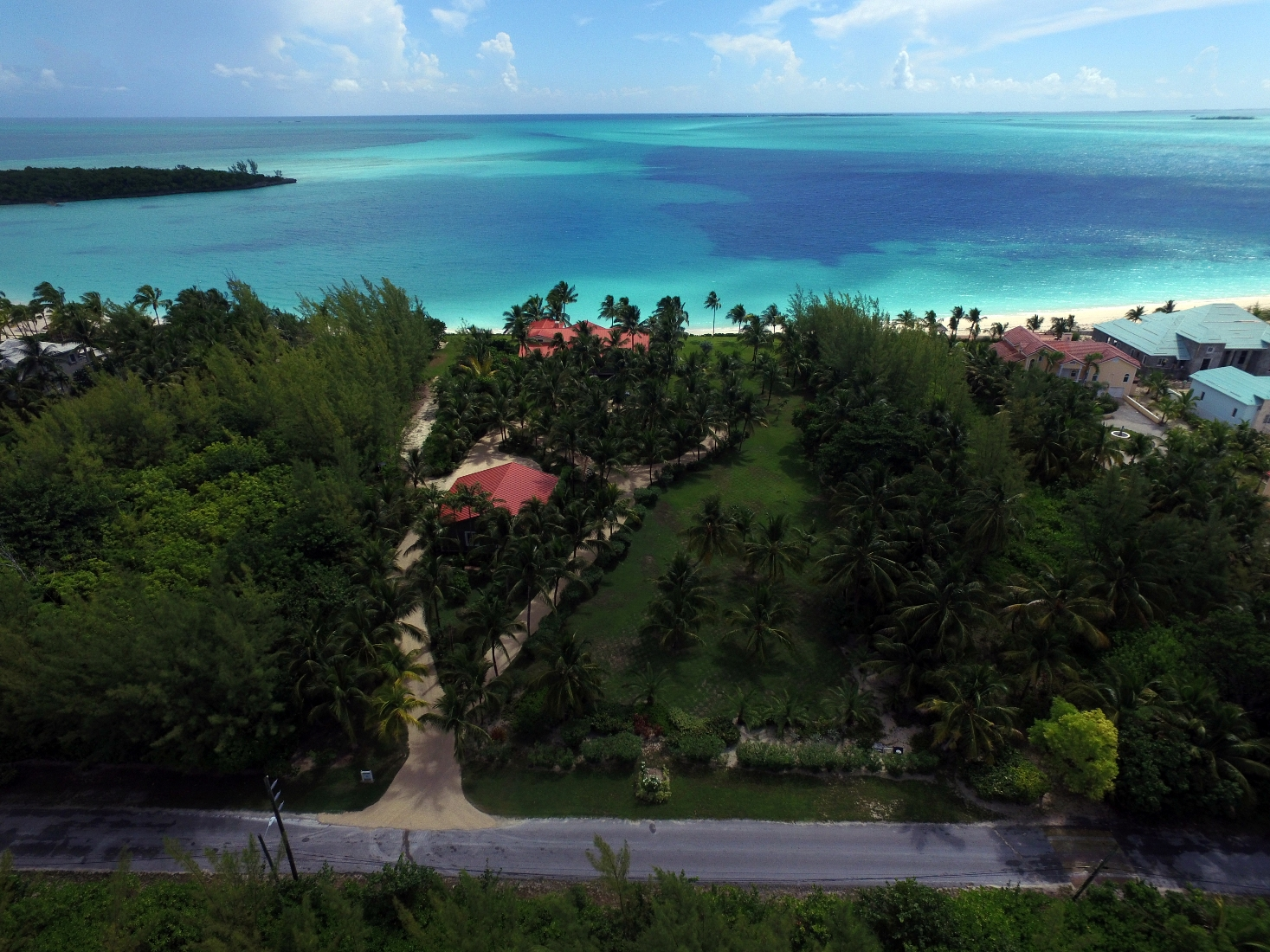 Additional photo for property listing at Luxury Beachfront Estate on Treasure Cay Beach 阿巴科, 巴哈马