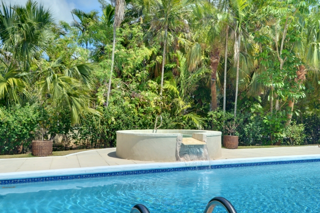 Additional photo for property listing at Large Clifton Bay House in Lyford Cay Bahama Eilanden