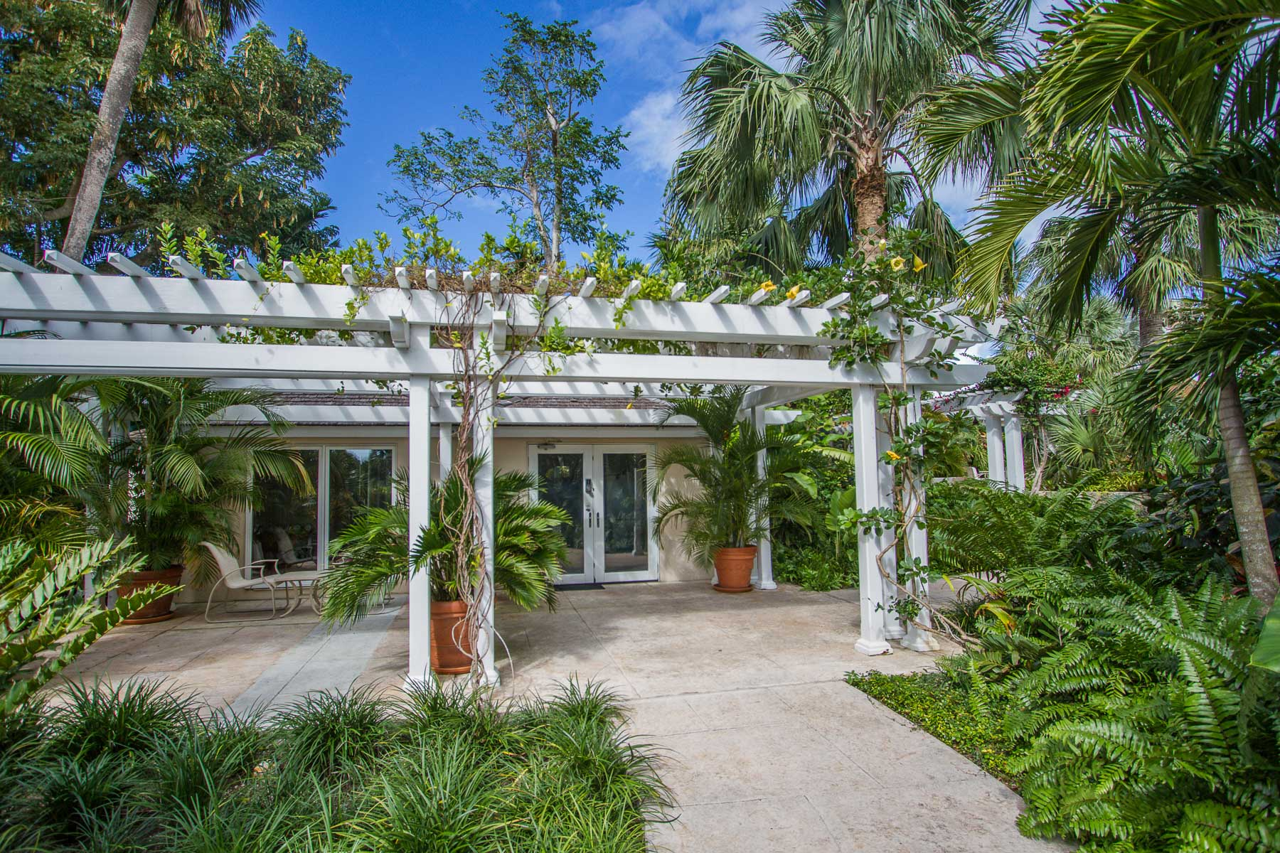 Additional photo for property listing at The Northern Penthouse of Sunnyside in Lyford Cay - MLS 32482 Lyford Cay, Nassau And Paradise Island, Bahamas