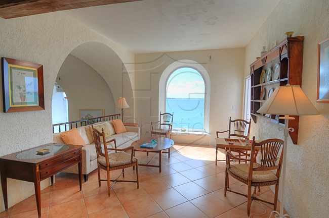 Additional photo for property listing at Spanish Style Oceanfront Home バハマ