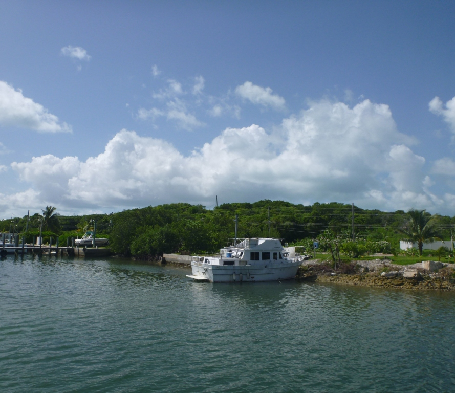 Additional photo for property listing at Waterfront Russel Island Eleuthera, Bahamalar