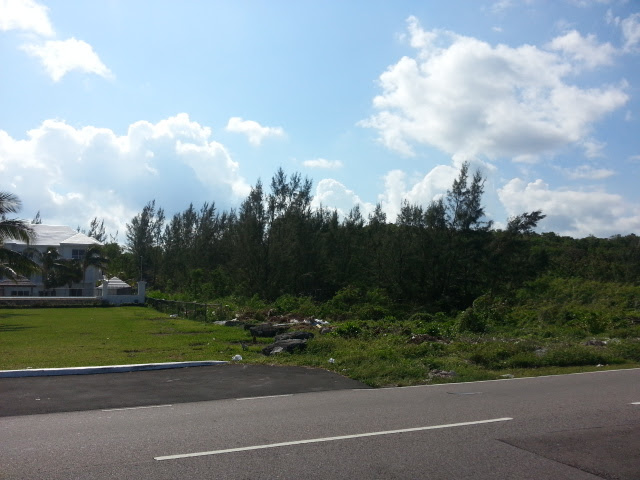 Additional photo for property listing at Prime Ocean View Acreage with 200 Feet on West Bay Street 바하마