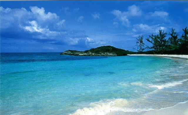 Additional photo for property listing at Waterfront Parcel with Harbour and Runway Exumas, Bahamas