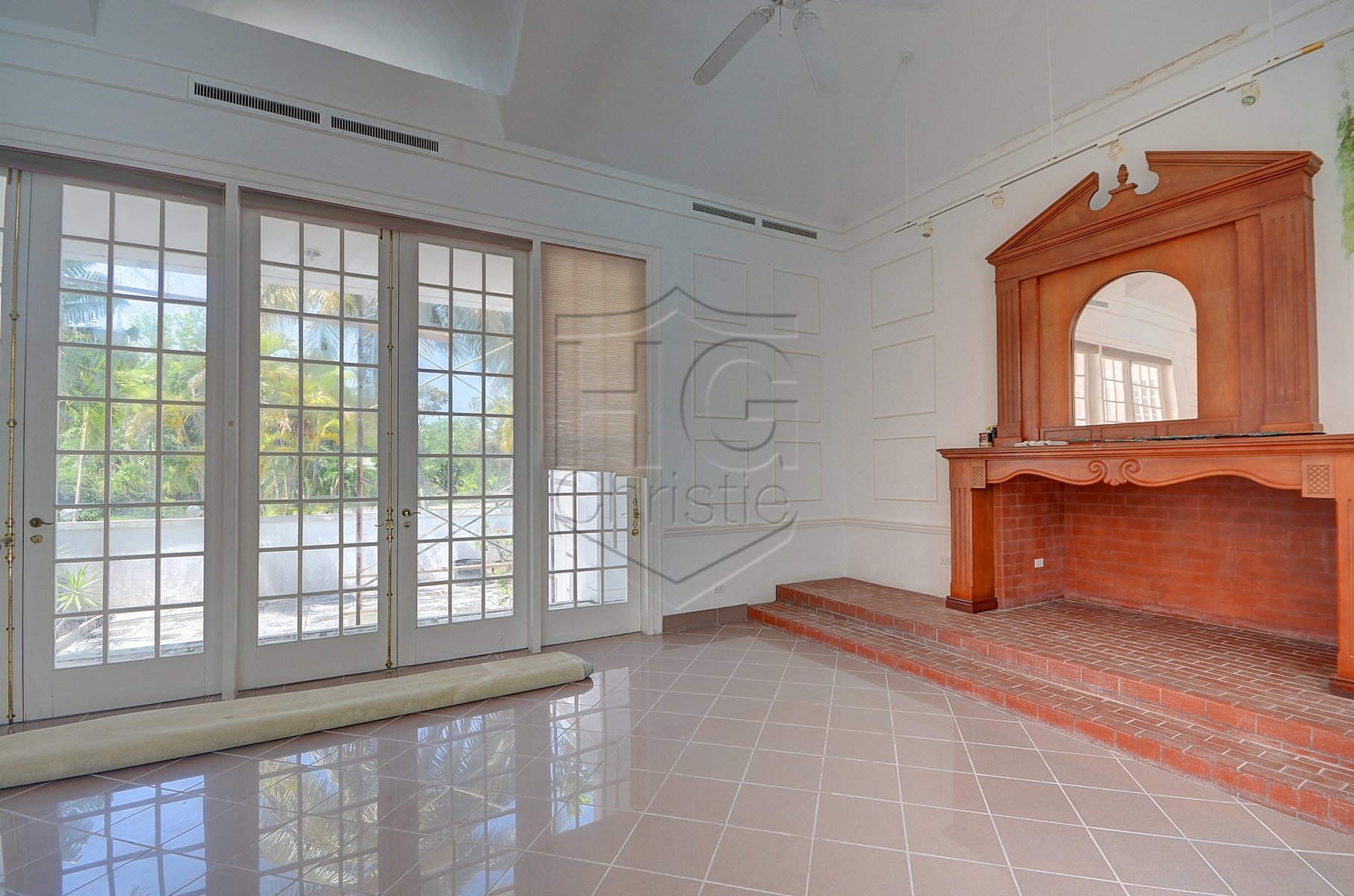 Additional photo for property listing at Fantastic Lyford Cay Renovation Project 巴哈馬