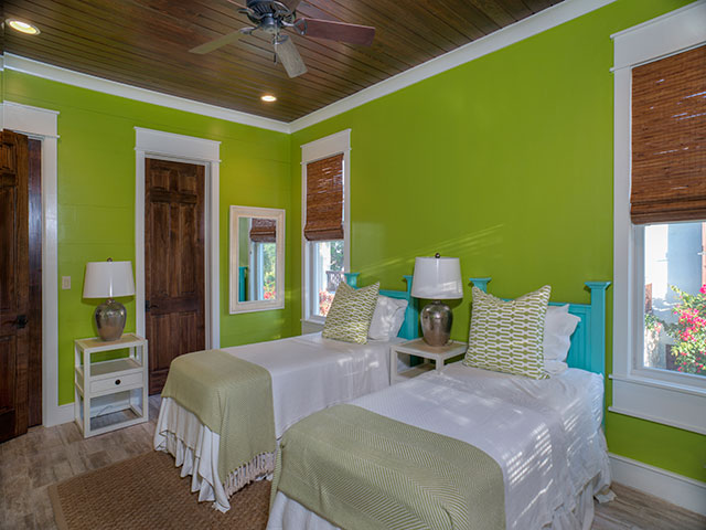 Additional photo for property listing at Royal Poinciana House at Deep Water Cay Bahama Eilanden