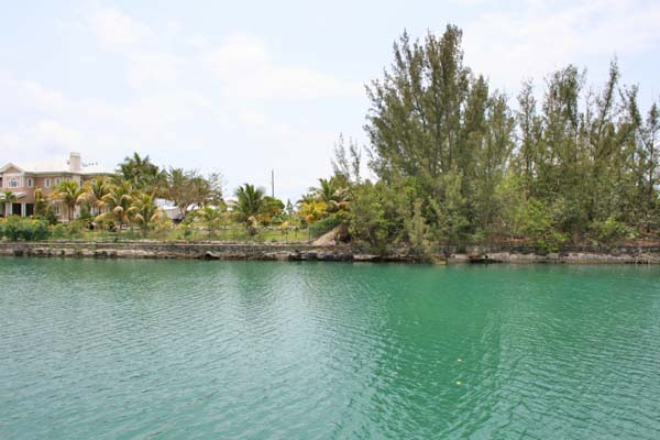 Additional photo for property listing at Canal lot on Symonette Drive in Fortune Bay Fortune Bay, Grand Bahama, Bahamas