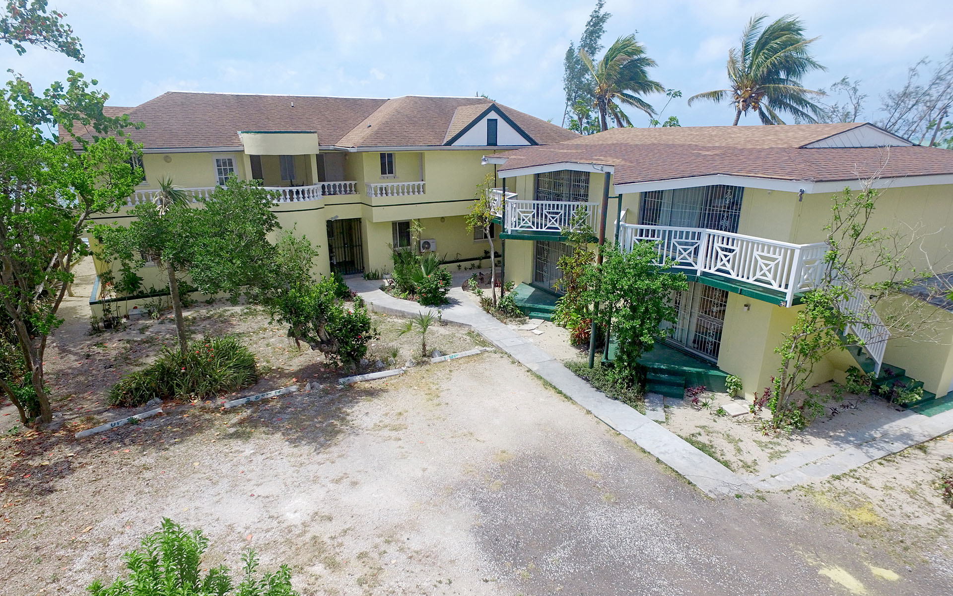 Additional photo for property listing at Coral Harbour Waterfront Condo Complex MLS: 29979 Coral Harbour, Nassau And Paradise Island, Bahamas