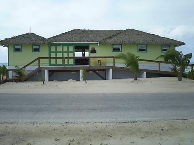 Additional photo for property listing at Beautiful Seaview Bungalow Stella Maris, Long Island, Bahamas