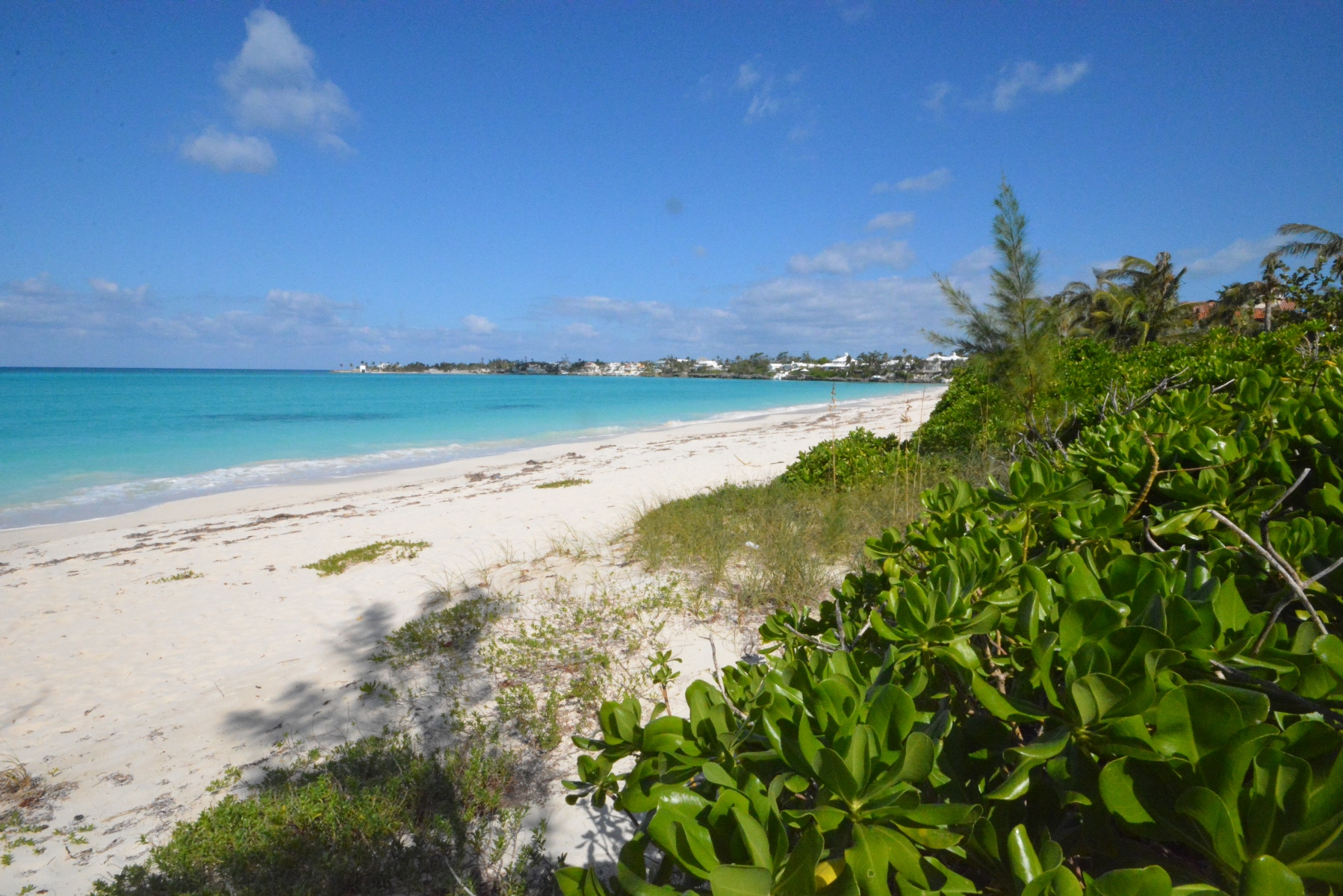 Additional photo for property listing at Stunning Beachfront lot in Old Fort Bay Old Fort Bay, Nassau And Paradise Island, Bahamas