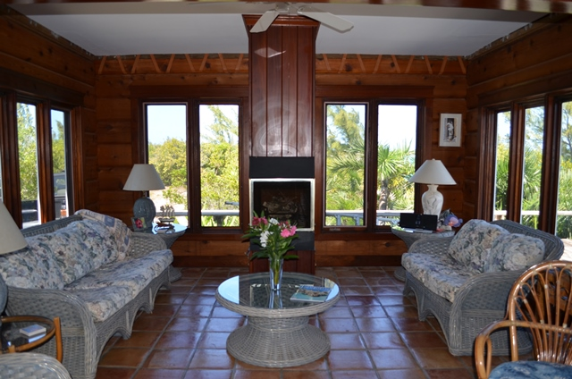 Additional photo for property listing at Elevated Beachfront home Berry Islands, Bahamas