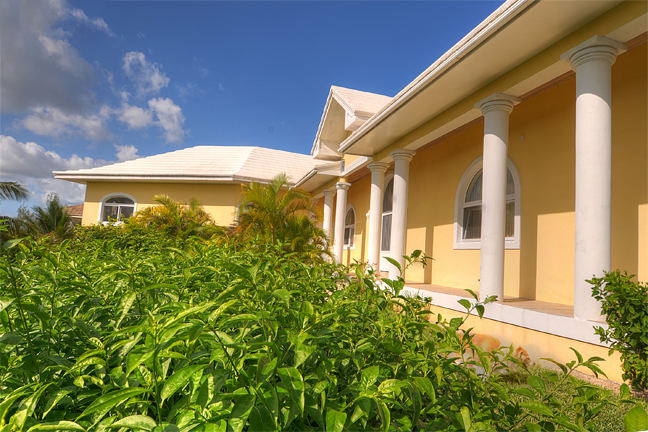 Additional photo for property listing at Hilltop Residence with Ocean and Lake Views Bahama Eilanden