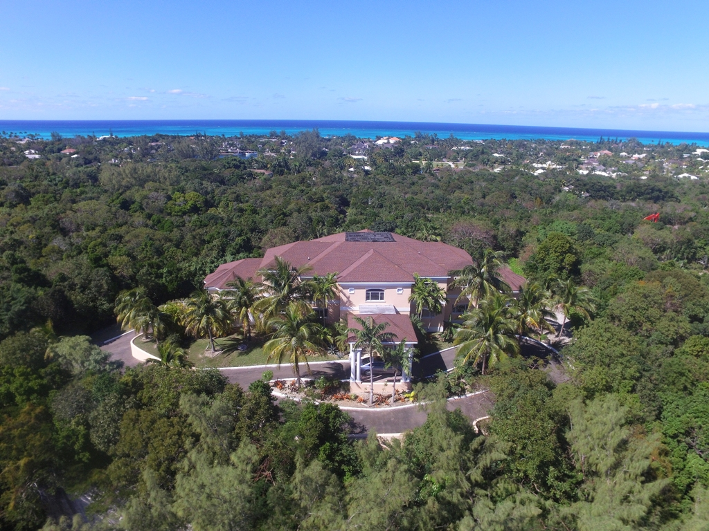 Additional photo for property listing at Elevated Lyford Cay Estate Home - MLS 25858 Bahamas