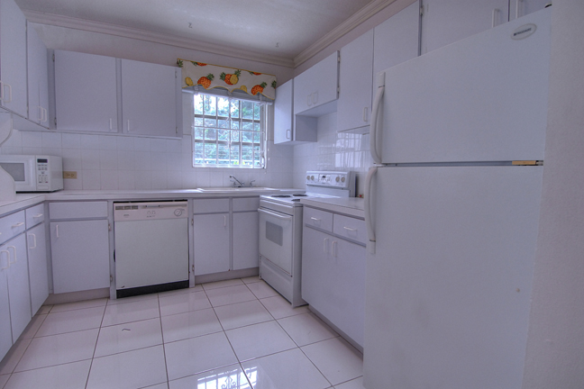 Additional photo for property listing at Excellent Family Home Nassau And Paradise Island, Bahamas