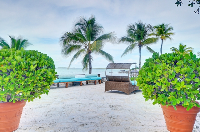 Additional photo for property listing at Family Estate on Harbour Island Harbour Island, Bahamas