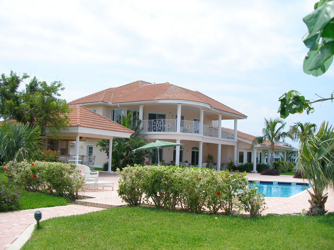 Additional photo for property listing at REDUCED! Flamingo Point Estate Bahamalar