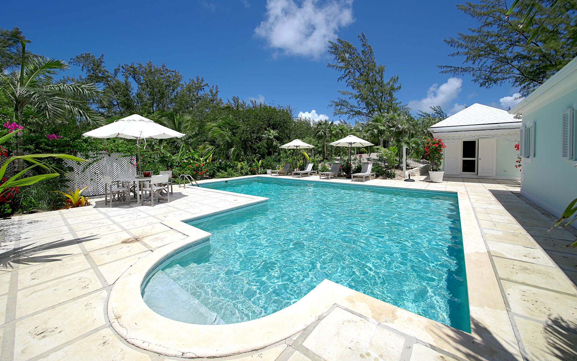 Additional photo for property listing at Private Island Resort Style Home MLS 31170 Eleuthera, 바하마