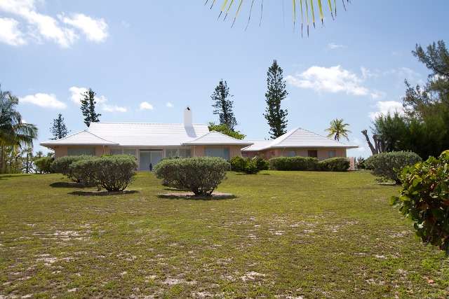 Additional photo for property listing at Large Prime Beach Front Property Double Bay Eleuthera With Elegant Island Home - MLS 20802 Eleuthera, Bahamas