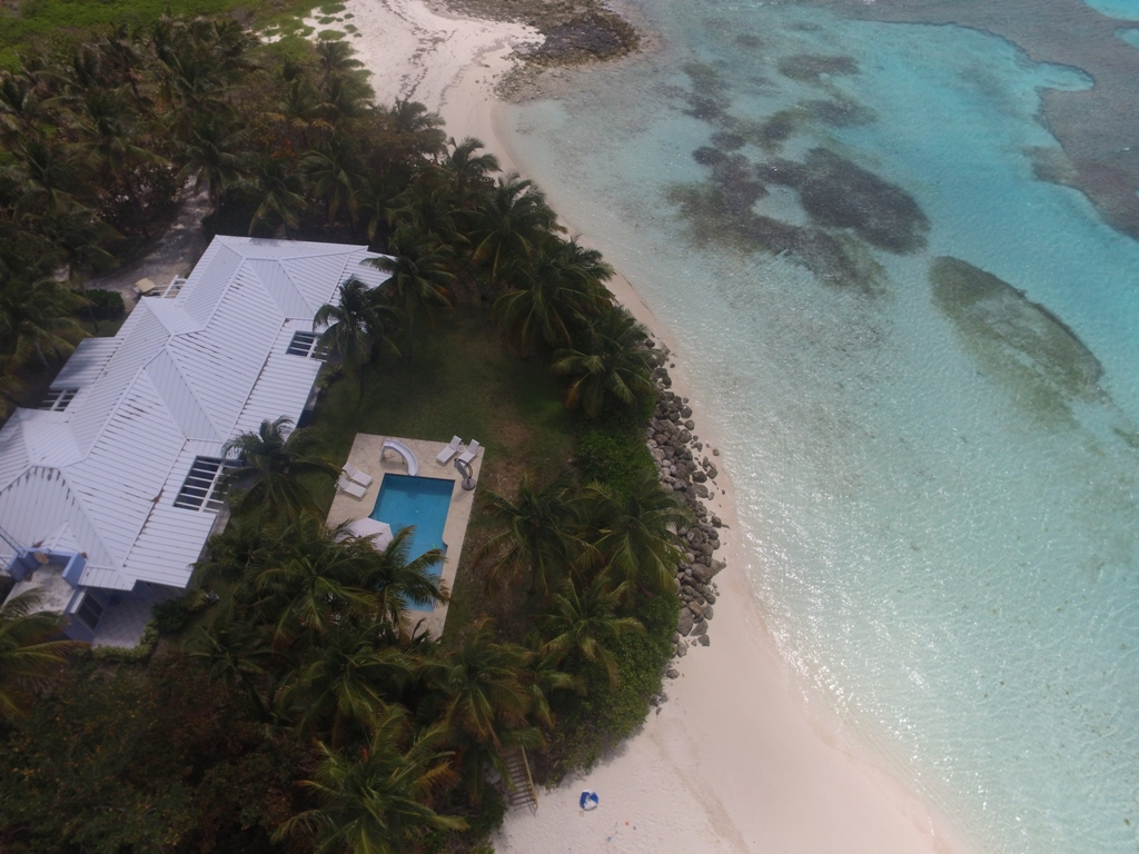 Additional photo for property listing at Frozen and Alder Cays Private Islands Berry Islands, Bahamas