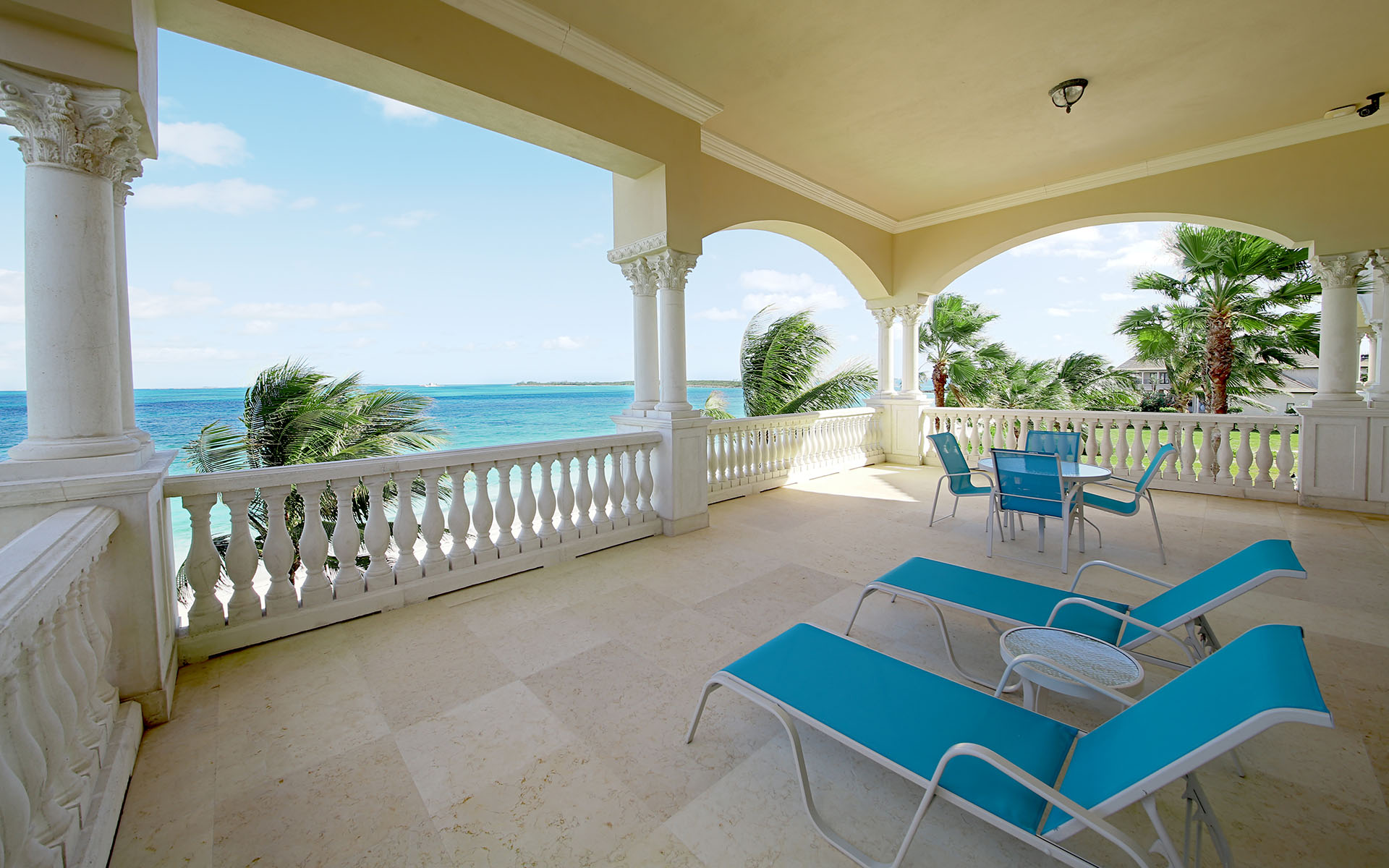 Additional photo for property listing at Beachfront Mansion in Ocean Club Estates, Paradise Island Nassau New Providence And Vicinity