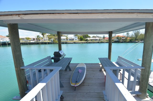 Additional photo for property listing at Classy Canalfront Caribbean Style Home in Fortune Bay! Bahama Eilanden