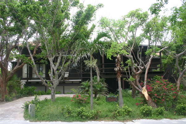 Additional photo for property listing at Island Waterfront Retreat 巴哈馬