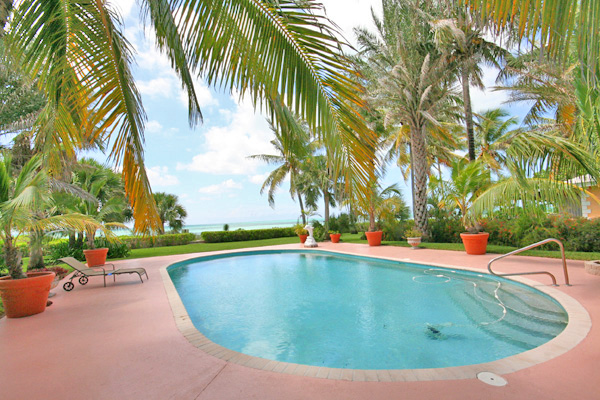 Additional photo for property listing at Beautiful Discovery Bay Beachfront Villas Grand Bahama And Vicinity
