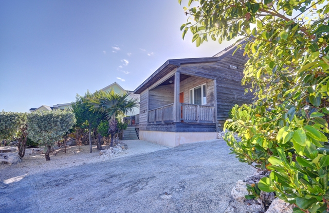 Additional photo for property listing at Oceanfront Home Located At The Abaco Club on Winding Bay (MLS 24045) Abaco, バハマ