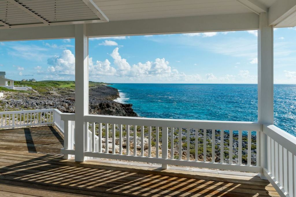 Additional photo for property listing at Sea Glass Exclusive Waterfront Home At The Abaco Club on Winding Bay - MLS 31382 Abaco, Bahamas