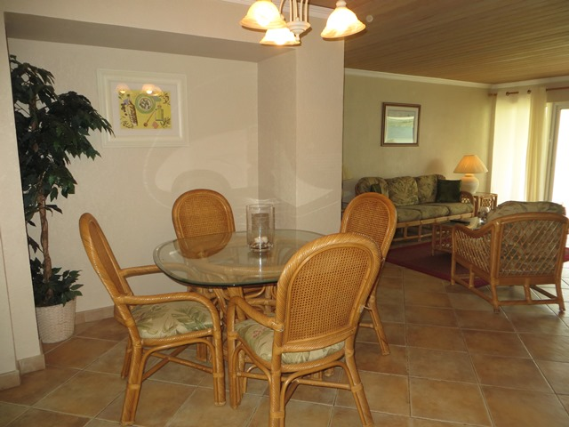 Additional photo for property listing at Turnkey Regattas Apartment with Harbour Views (MLS18647) Marsh Harbour, Abaco, Bahamas