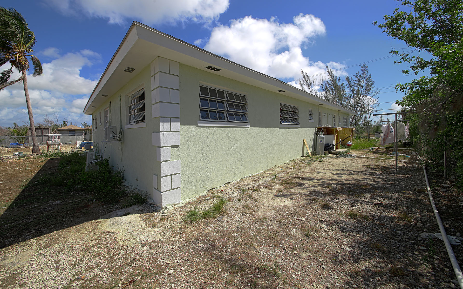 Additional photo for property listing at Cowpen Road Triplex  All Units Tenanted MLS 29834 Nassau And Paradise Island, Bahamas