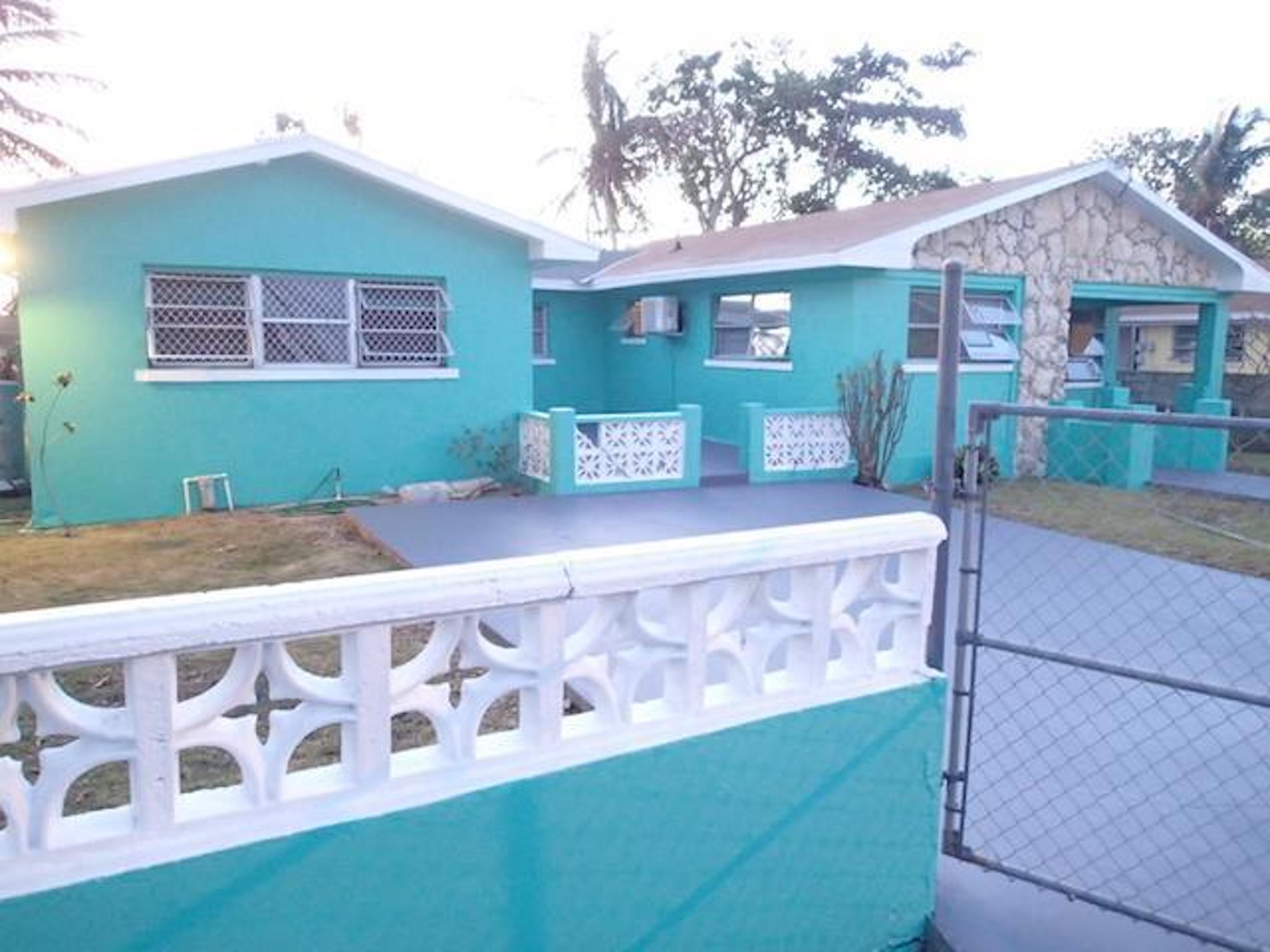 Additional photo for property listing at East Avenue Single Family Home - Carmichael Road Carmichael Road, Nassau And Paradise Island, Bahamas