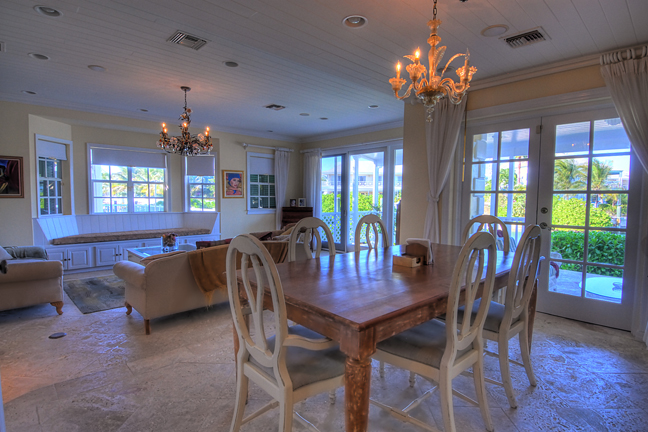 Additional photo for property listing at Sandyport Home on the Canal Bahamas