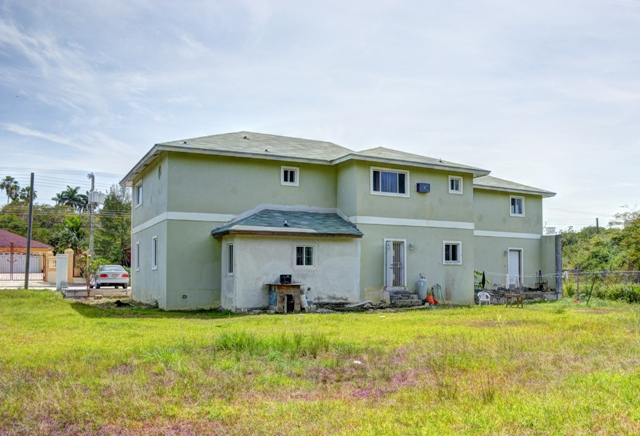 Additional photo for property listing at Home in Twin Lakes Nassau New Providence And Vicinity