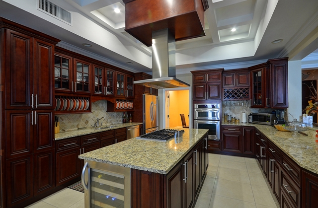 Additional photo for property listing at Prestigious Westridge Home Багамские Острова