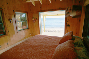 Additional photo for property listing at Idyllic Island Beach Cottage (MLS 19993) Man-O-War Cay, Abaco, Bahamas