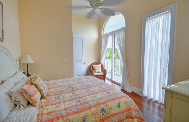 Additional photo for property listing at Seabreeze Estate  MLS 24919 Harbour Island, Μπαχαμεσ