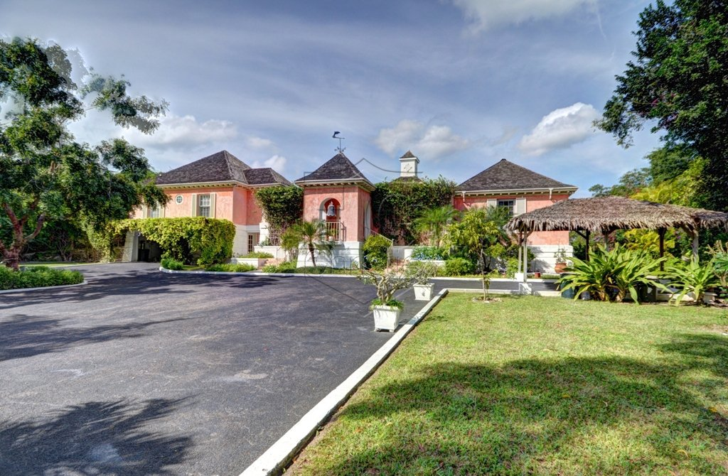 Additional photo for property listing at Lyford Cay Hilltop Estate Bahama Eilanden