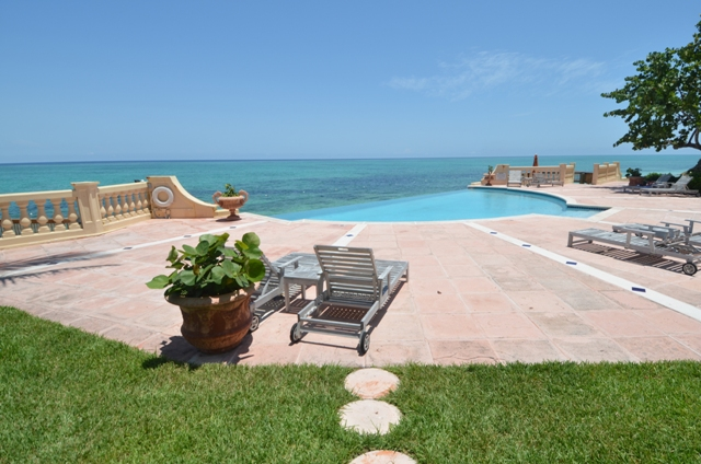 Additional photo for property listing at Breathtaking Views Bahamas