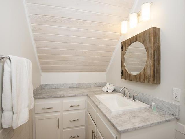 Additional photo for property listing at Flamingo Villa, Hope Town Marina #3- MLS 24671 Elbow Cay Hope Town, Abaco, Bahamas