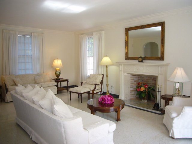 Additional photo for property listing at Elegant Colonial Home Nassau New Providence And Vicinity